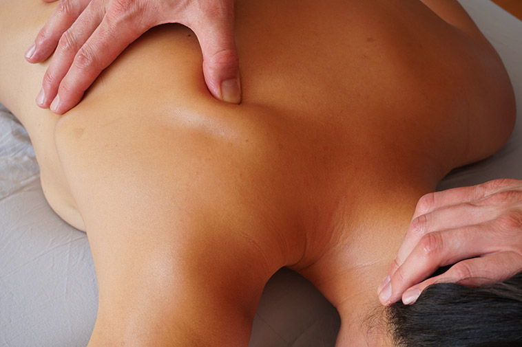 Therapeutic massage at Andrew Newman's Takapuna, Auckland clinic.
